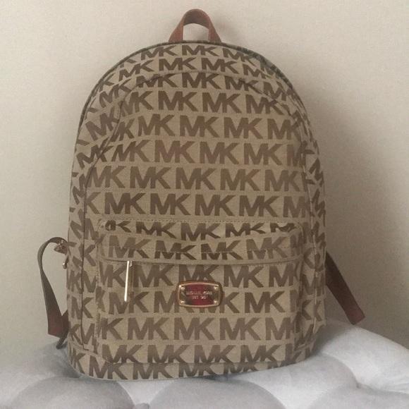 14e633566b64 Michael Kors signature backpack. M_5ac5061c1dffda3f479acd73